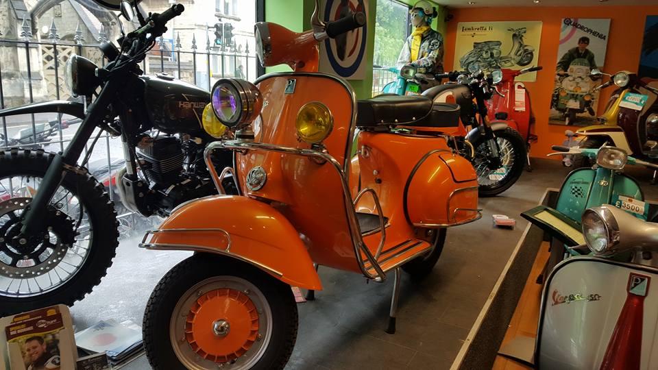 Vespa Vbb Orange Ital Scooters